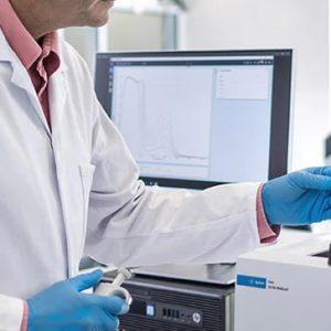 Check hair porosity by UV-Vis-NIR spectroscopy